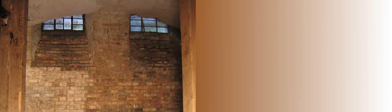 Keller Slider, Untergeschoss, Kellerfenster, Keller, Backstein, Backsteingebäude, Haus, Gebäude, Altbau